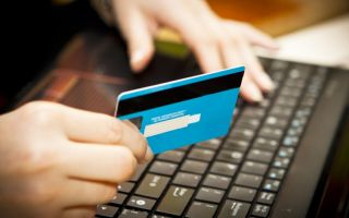 Как оплатить через банковскую карту?