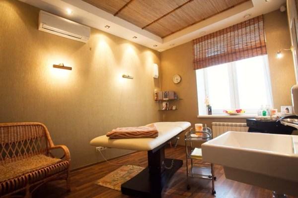 Уютный дизайн простого помещения
