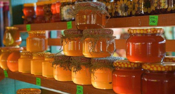 Мед в разной таре
